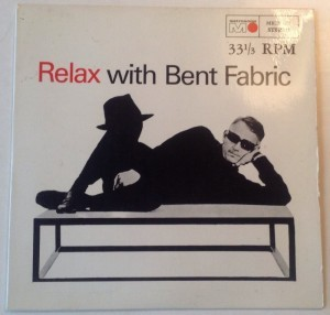 Single Relax with Bent Fabric